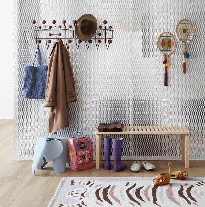 Wardrobes, shelves and coatracks